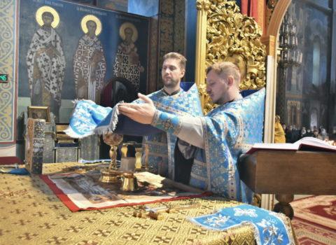 Божественная литургия в праздник Покрова Пресвятой Богородицы 2020
